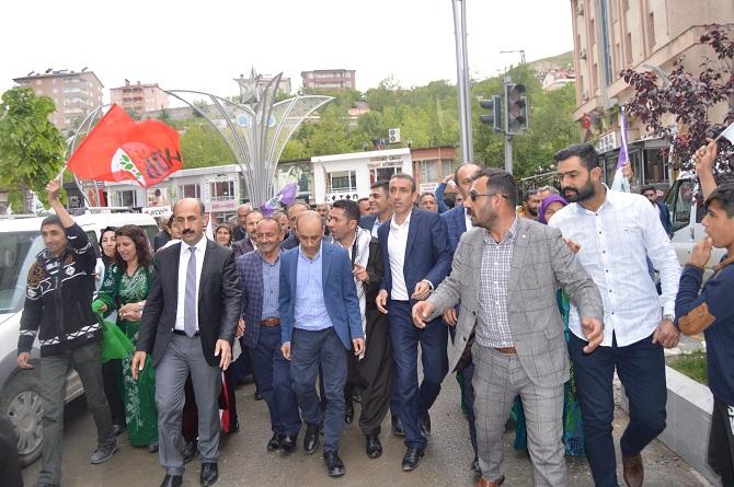 Hakkari'de HDP'nin coşkulu seçim bürosu açılışı galerisi resim 1