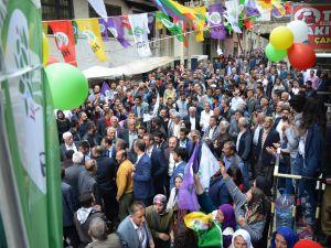 Hakkari'de HDP'nin coşkulu seçim bürosu açılışı