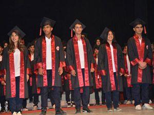 Özel Hakkari Sağlık Koleji'nin mezuniyet töreni