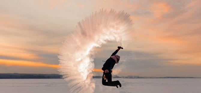 -50 derecede, kaynar su ile yaratılan buzlu sanat eserleri galerisi resim 1