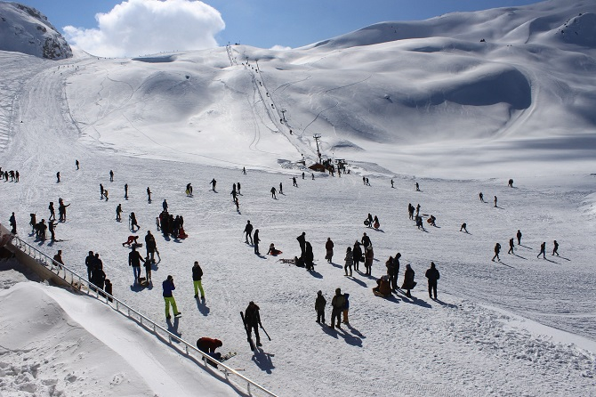 Hakkari'deki Kayak Merkezine Hafta Sonu Akını galerisi resim 1