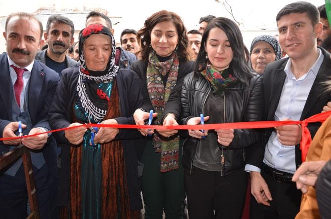 HDP Hakkari'de seçim bürosu açtı! galerisi resim 1