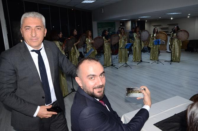Hakkari'de avukatlar günü halaylarla kutlandı galerisi resim 1