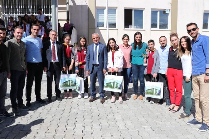 Hakkari'de  liseler arası bilgi yarışması galerisi resim 11