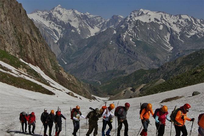 Bayramda, Cilo-Sat Dağları'na tırmandılar galerisi resim 1