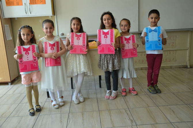 Hakkari'de öğrencilerin yaz tatili sevinci galerisi resim 1