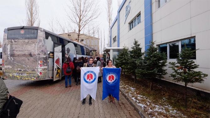 Hakkari kadın girişimciler Yüksekova'da işletmeleri gezdi galerisi resim 1