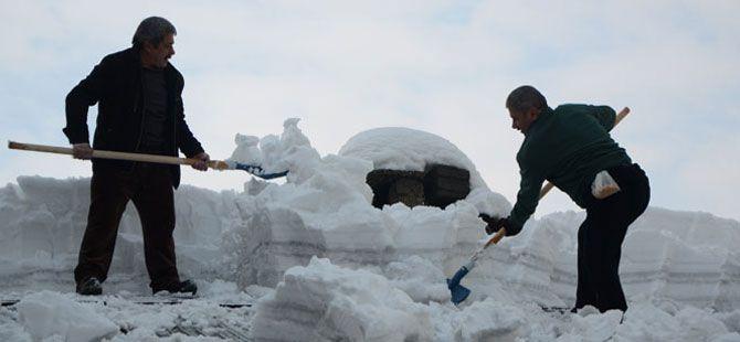 Hakkari'de kış çetin geçiyor