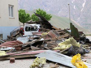 Fırtına, Hakkari'de büyük çapta maddi hasara yol açtı