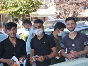 Hakkari'de YKS hareketliliği! TOBB maske dağıttı