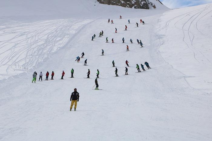 Hakkari'de kayak sezonu açıldı galerisi resim 1