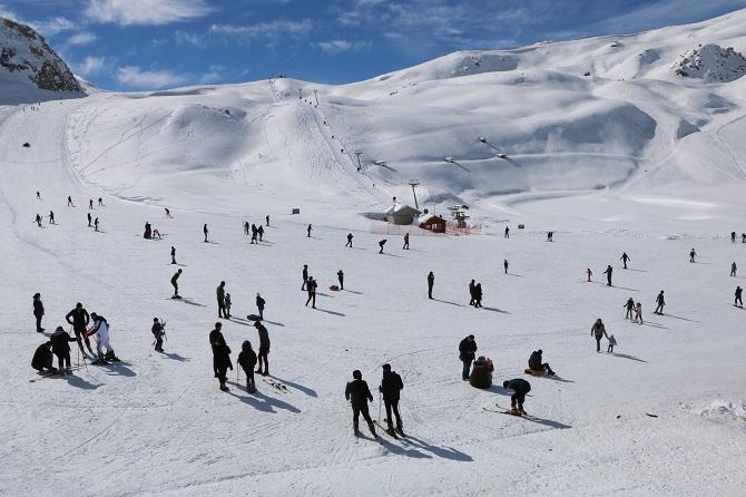 Hakkari kayak merkezine yoğun ilgi galerisi resim 1