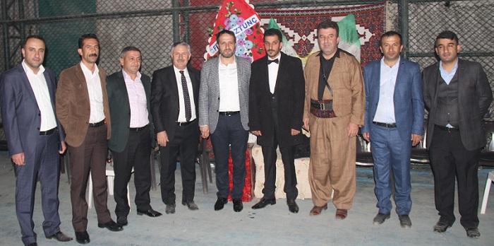 Özbek ailesinin mutlu günü galerisi resim 1