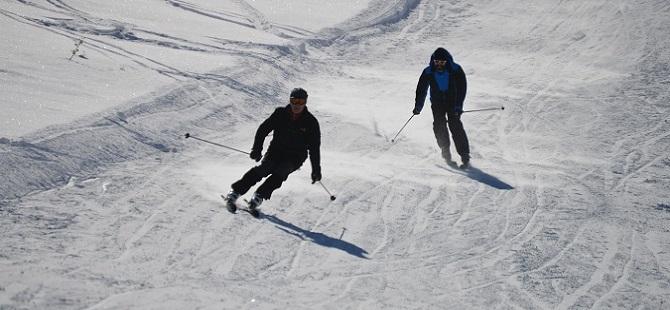 Hakkari'de kayak sezonu açıldı HAKKARİ OBJEKTİF HABER galerisi resim 1