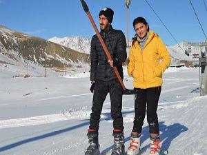 Hakkari'de kayak sezonu açıldı HAKKARİ OBJEKTİF HABER