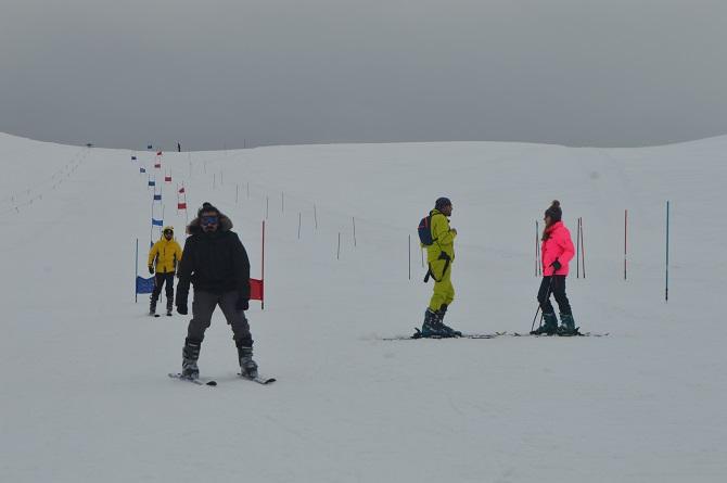 İran ve Irak'tan Hakkari'ye kayak yapmaya geliyorlar galerisi resim 1