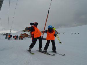İran ve Irak'tan Hakkari'ye kayak yapmaya geliyorlar