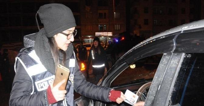 Hakkari'de 700 Polisle uygulama yapıldı