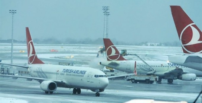 Van'da Kar nedeniyle uçak seferleri iptal oldu