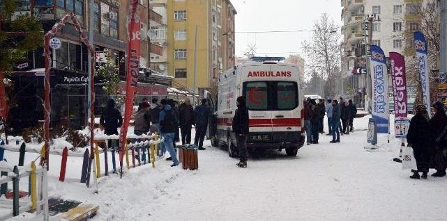 Diyarbakır'da iki grup arasında silahlı kavga