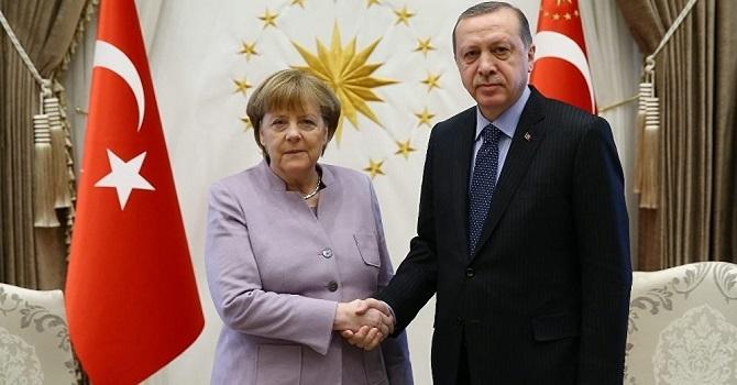 Angela Merkel'den 'Başkanlık sistemi' Açıklaması
