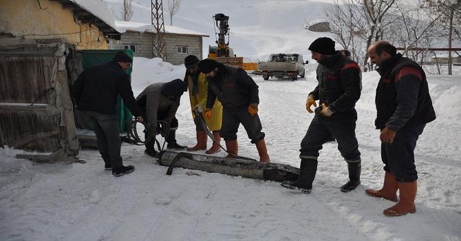 Yüksekova'da Arızalanan Sondajlar Onarıldı! Kesintinin olduğu mahallelere yeniden su verildi