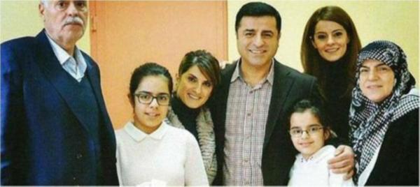 Demirtaş'ın cezaevinden ailesiyle ilk pozu yayınlandı