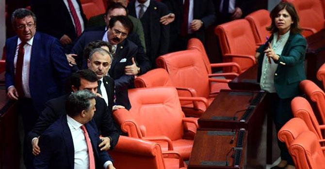 Meclis'te AK Parti ve HDP vekilleri arasında kavga çıktı