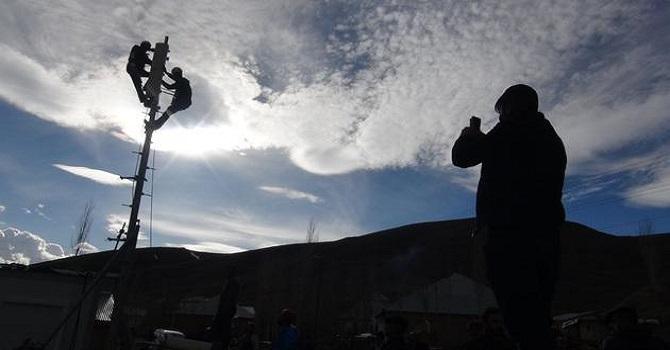 Hakkari'de Drone Kullanarak 'Alo' Diyen Köyün Şebeke Sorunu Çözüldü
