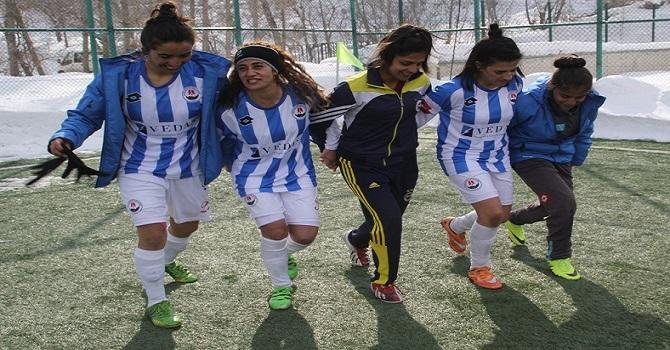 Vedaş sponsoru Futbol Melekleri rakiplerini 6-1 yendi
