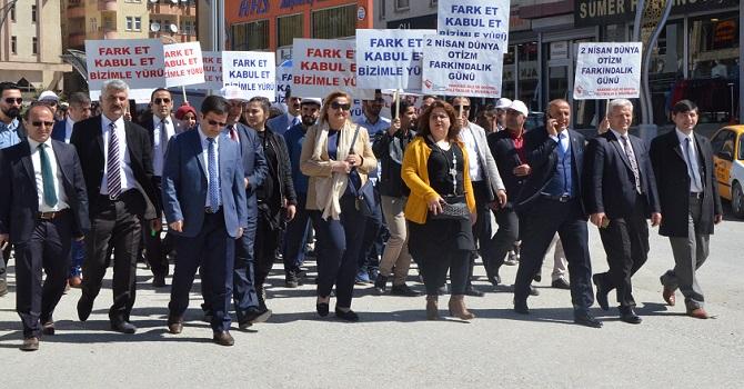 """Hakkari'de ''Otizm Farkındalık"""" Etkinliği Düzenlendi"""