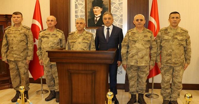 Jandarma Genel komutanı Orgeneral Arif Çetin Hakkari'de