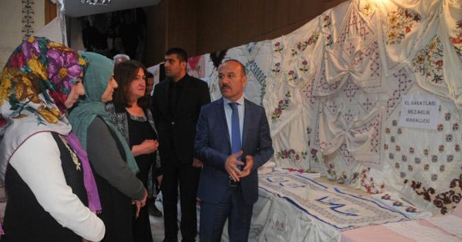 Yüksekova'da yılsonu sergisi