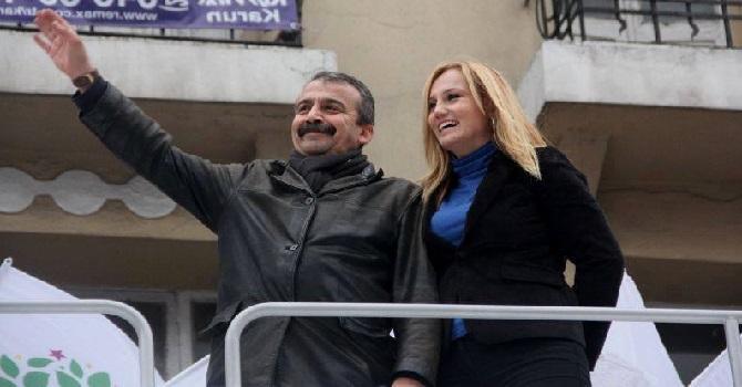 Pınar Aydınlar tutuklandı... İşte son mesajı