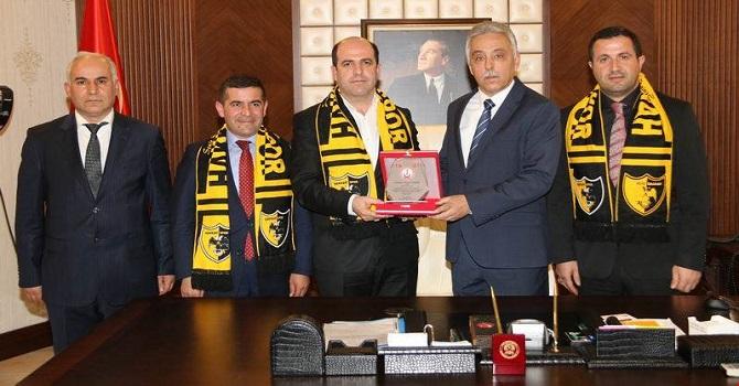 Korucu Konfederasyon Başkanı Özen, Vali Toprak'ı ziyaret etti