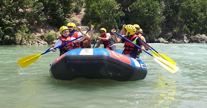 Çukurcalı Öğrencilere, Zap Suyu'nda Rafting Eğitimi