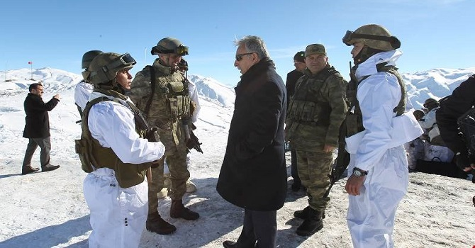 Vali Toprak, Şemdinli'de Askerleri ziyaret etti