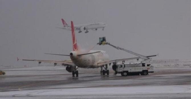 Yüksekova'da Uçak Seferleri İptal Edildi