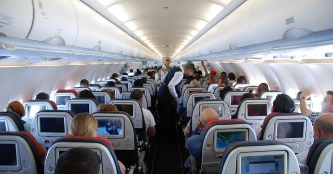 Uçakta cam kenarında oturanlara kötü haber