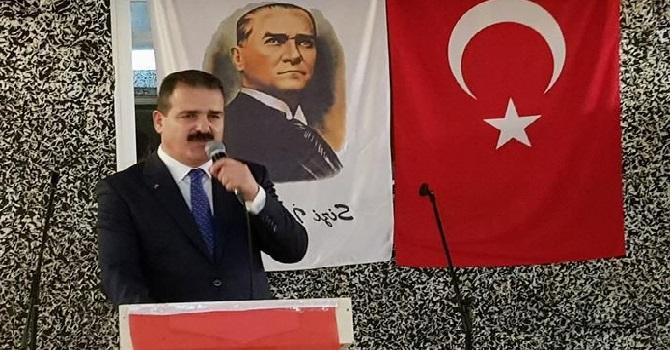 Hakkari'nin yeni Valisi Akbıyık'a veda yemeği