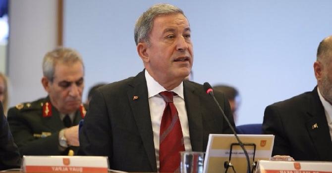 Savunma Bakanı'ndan HDP'li Kaçmaz'a: Geleceği olumlu görün