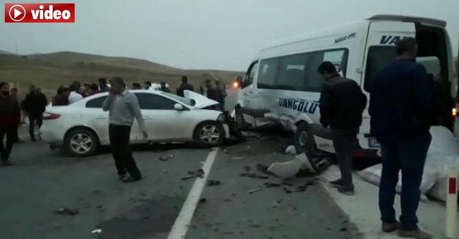 Hakkari – Van Yolunda feci kaza: 1 ölü 18 yaralı