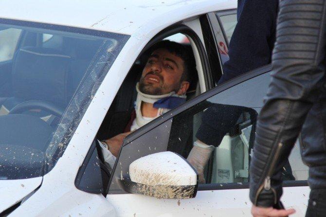 Hakkari-Van Karayolunda trafik kazası