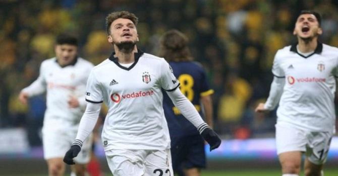 Beşiktaş 4 golle liderin peşinde!