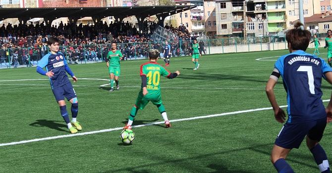 Hakkari Gücü Kadın Futbol Takımı, Rakibini 6-1 mağlup etti