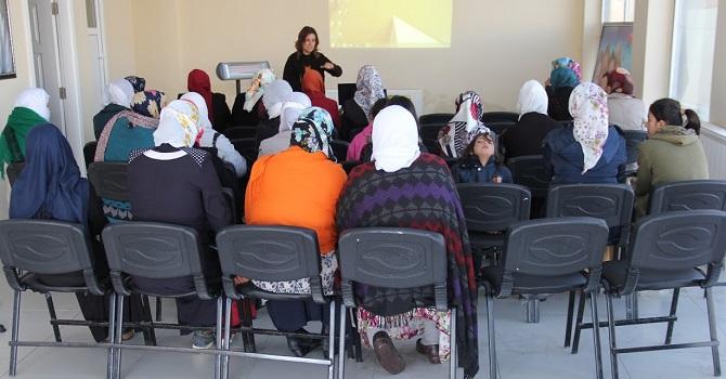 """Muradiye'de """"Çocuk ihmali ve cinsel istismar"""" semineri"""