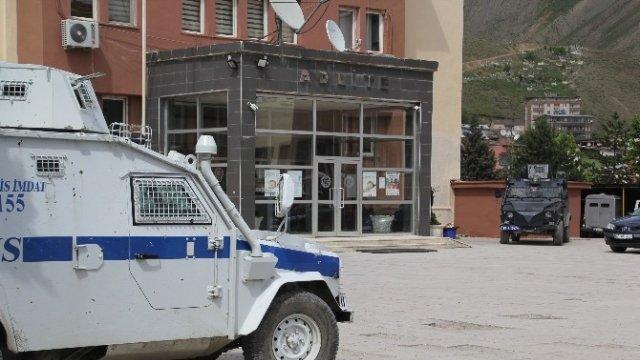 Hakkari'de ve ilçelerinde operasyon: 14 kişi gözaltına alındı
