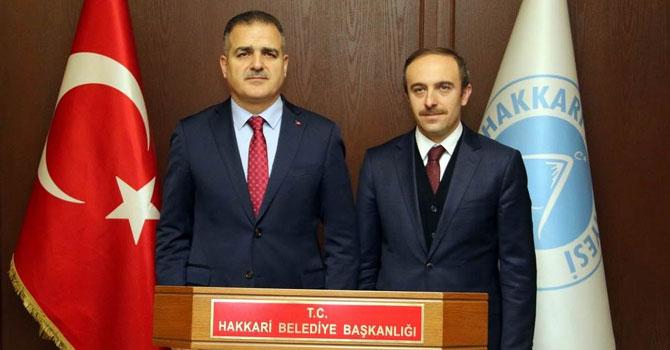 Vali Akbıyık Hakkari Belediyesini ziyaret etti!