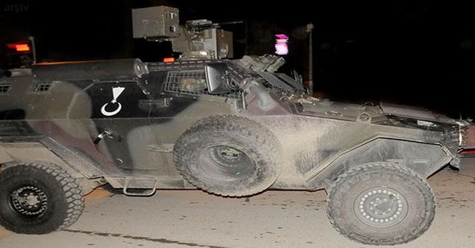 Hakkari-Van karayolunda askeri araç kaza yaptı