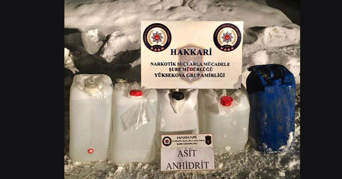 Yüksekova'da 102 litre asitanhidrit maddesi ele geçirildi